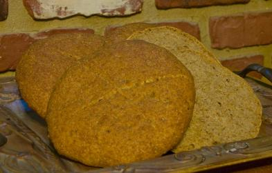 Modern rendering of medieval Polish trencher bread
