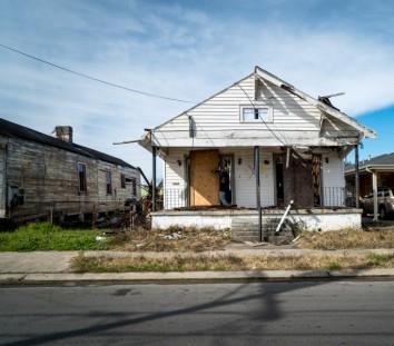 Abandoned houses damaged in Hurricane Katrina (http://www.huffingtonpost.com/2015/03/16/hurricane-katrina-anniversary_n_6762368.html)