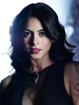 Actress Emeraude Toubia as Isabelle Lightwood